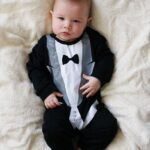 Bebé disfrazado de papá